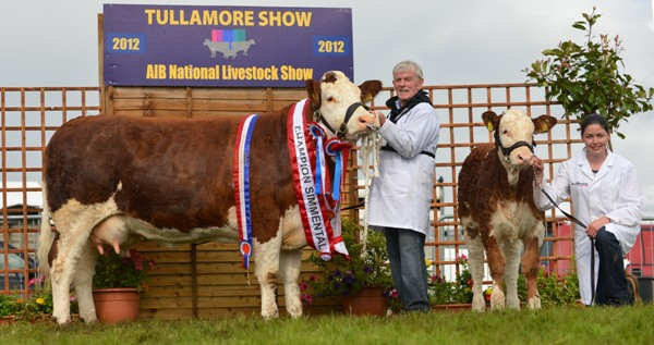 overall_female_nat_junior_cow_champ_seepa_aster