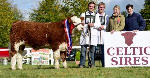 Strokestown15-Nat-Snr-Heifer-Champ-Fearna-Gucci.jpg