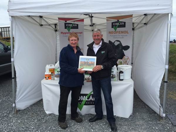 Ann Corcoran Western Simmental Club Secretary presented with Sponsorship from Martin Regan of Iomlan Animal Science for the Western Simmental Club Championship Finals to be held at Ballinrobe Show